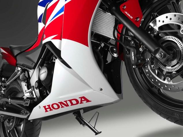 2014-Honda-CBR300R-08