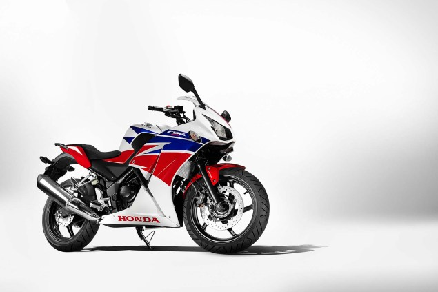 2014-Honda-CBR300R-20