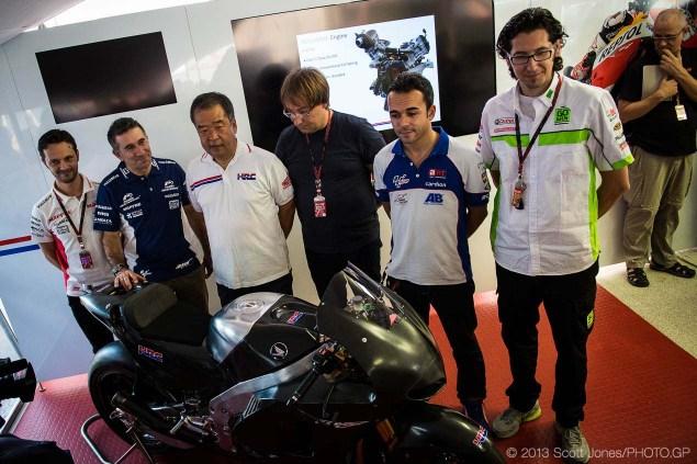 2014-Honda-RCV1000R-produciton-racer-motogp-Scott-Jones-05