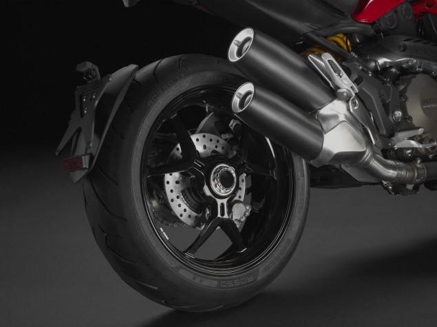 2104-Ducati-Monster-1200-S-16