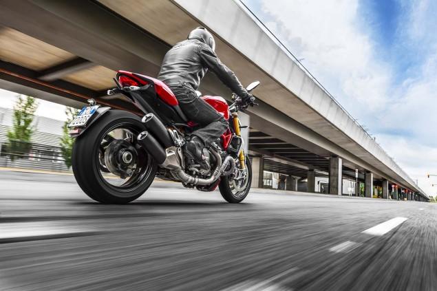 2104-Ducati-Monster-1200-S-23