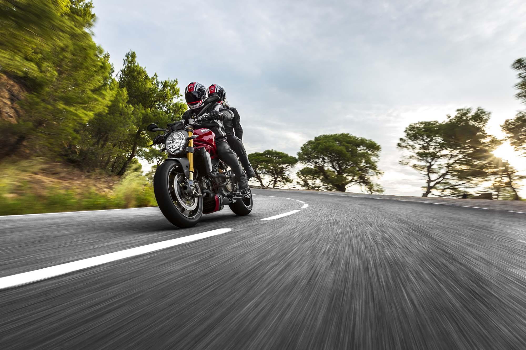 2014 Ducati Monster 1200 S Moar Monster Asphalt Amp Rubber