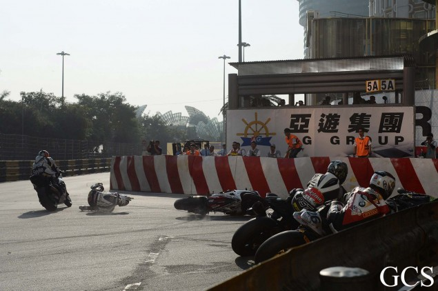 Macau-GP-crash-10