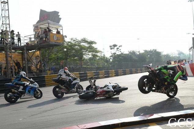 Macau-GP-crash-6