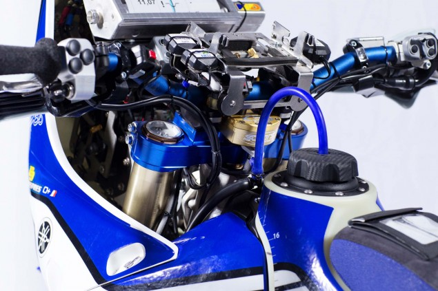 Cyril-Despres-Yamaha-YZ450F-Rally-studio-05