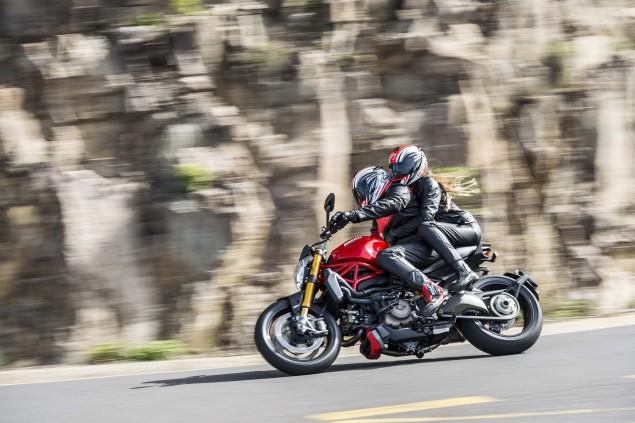 2014-Ducati-Monster-1200-action-45