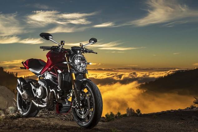 2014-Ducati-Monster-1200-still-15
