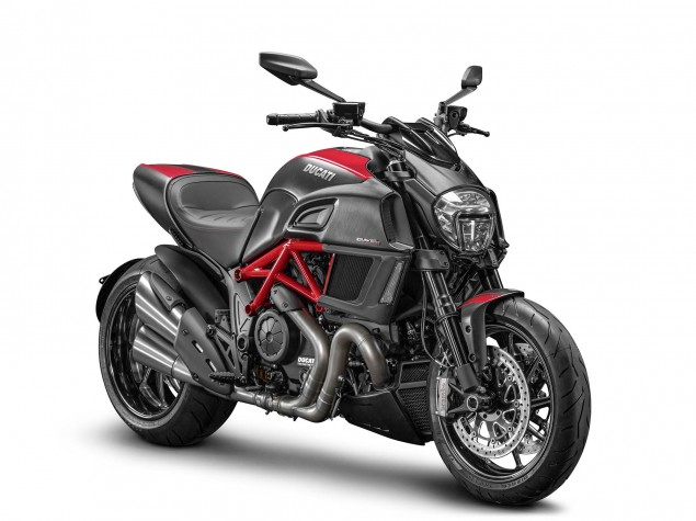 2014-Ducati-Diavel-Carbon-01