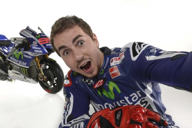 2014-Movistar-Yamaha-MotoGP-livery-15