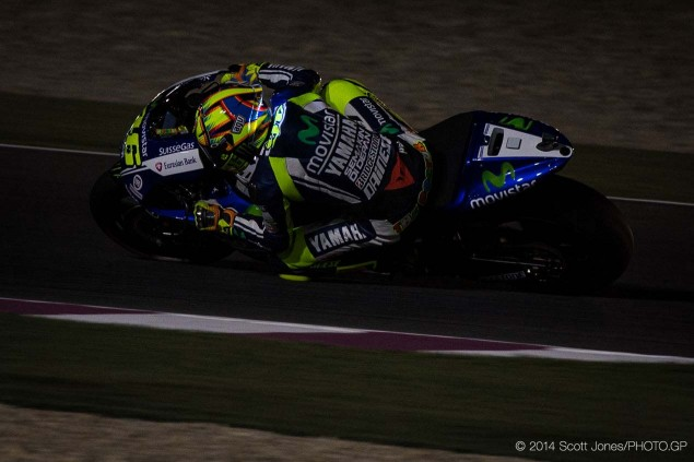 Valentino-Rossi-LED-Helmet-Qatar-Scott-Jones-01