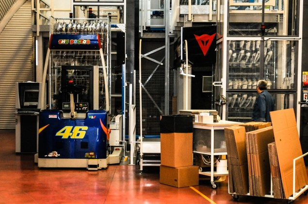 Dainese-Warehouse-Rossi-loading