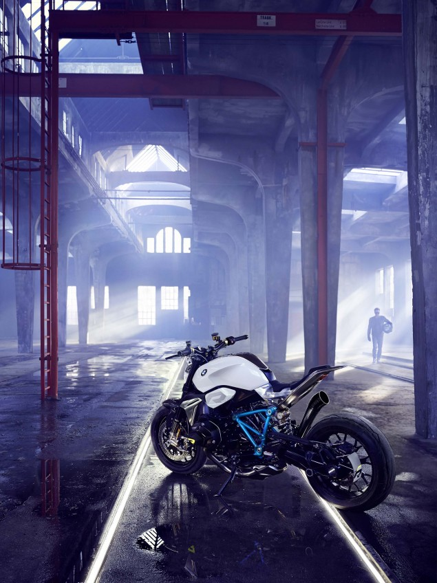 BMW-Concept-Roadster-studio-09