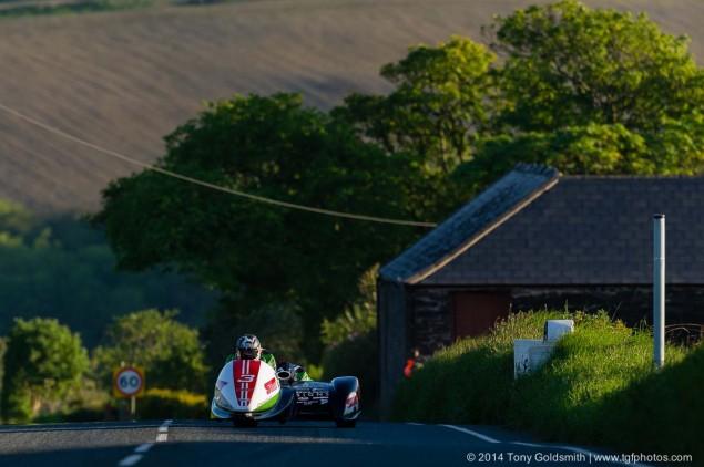 Cronk-y-Voddy-Straight-Isle-of-Man-TT-2014-Tony-Goldsmith-08