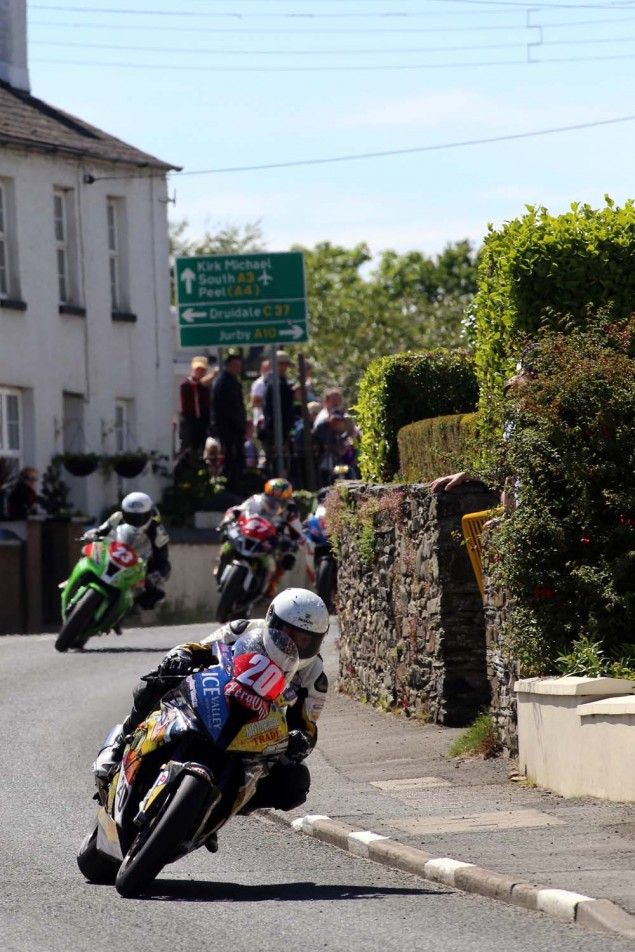 2014-Isle-of-Man-TT-Ballaugh-Richard-Mushet12