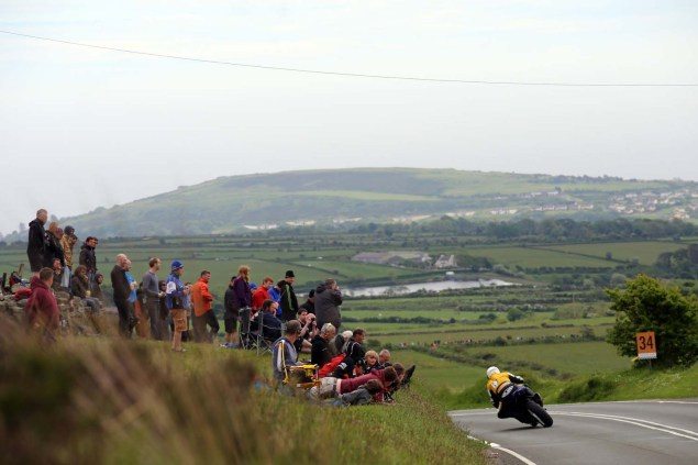 2014-Isle-of-Man-TT-Kates-Cottage-Richard-Mushet-01
