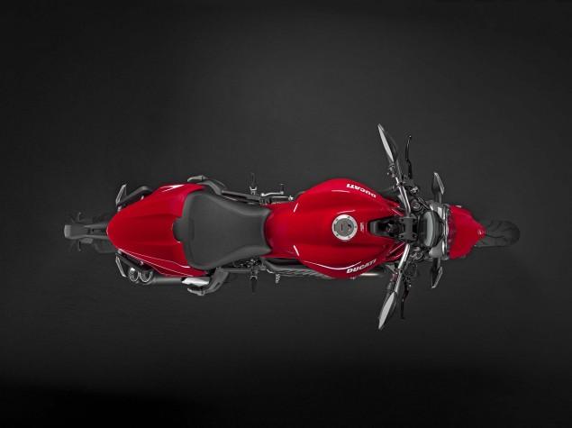 2015-Ducati-Monster-821-67