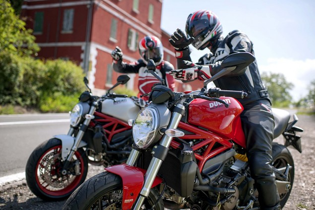 2015-Ducati-Monster-821-73