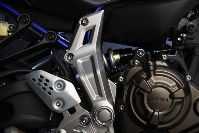 2015-Yamaha-FZ-07-details-03