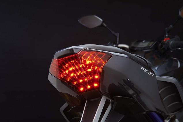 2015-Yamaha-FZ-07-details-09