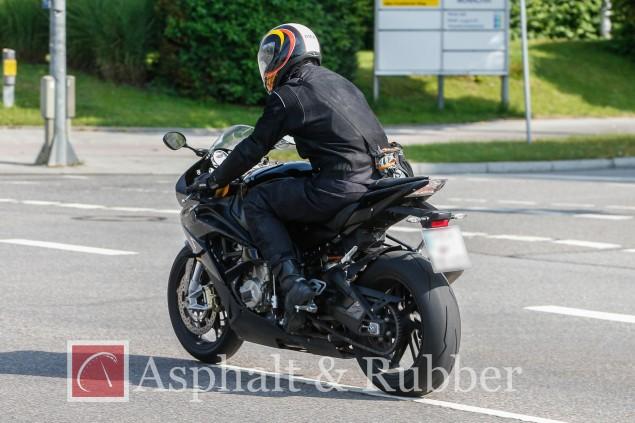 2015-BMW-S1000RR