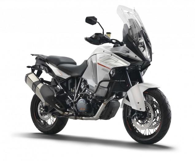 2015-KTM-1290-Super-Adventure-03
