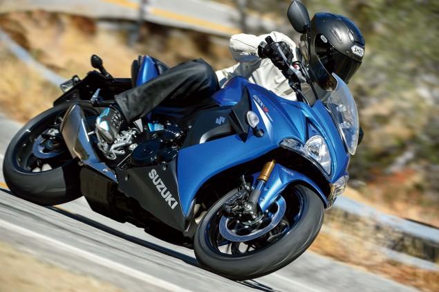 2015-Suzuki-GSX-S1000F-07