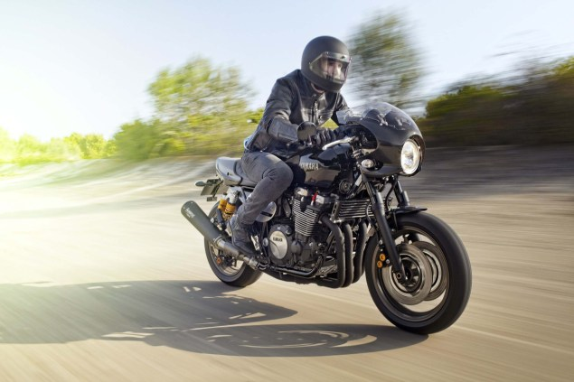 2015-Yamaha-XJR1300-Racer-12