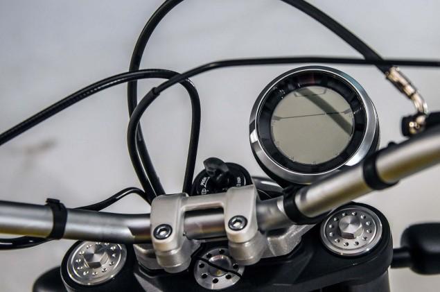 Ducati-Scrambler-up-close-02