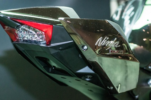 kawasaki-ninja-h2r-up-close-13