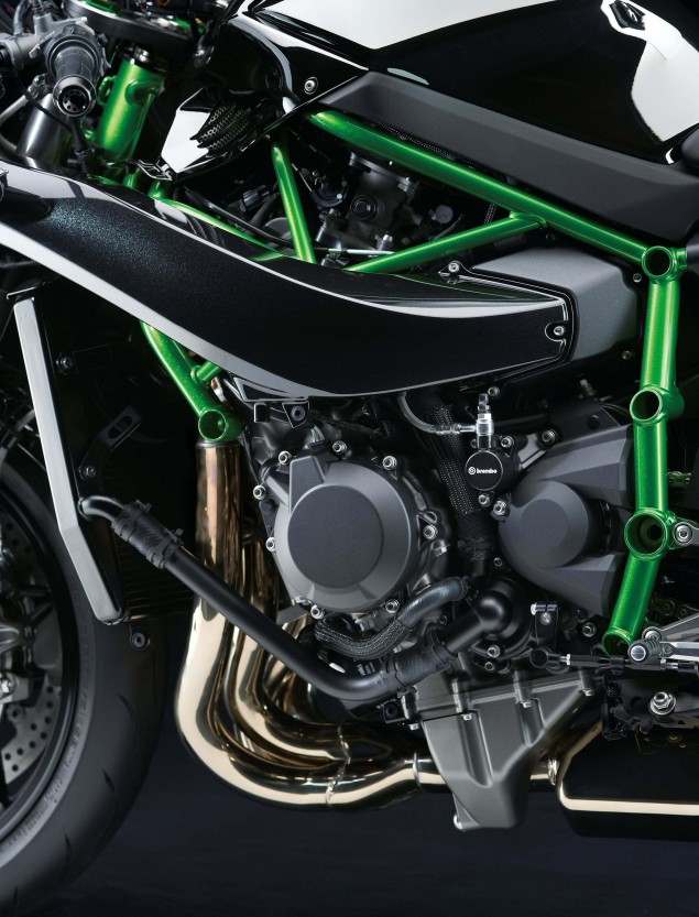 2015-Kawasaki-Ninja-H2-10