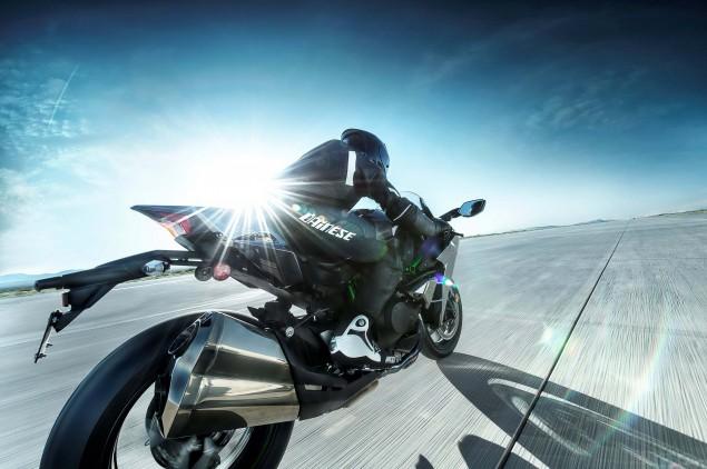 2015-Kawasaki-Ninja-H2-11