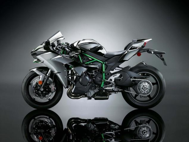 2015-Kawasaki-Ninja-H2-23