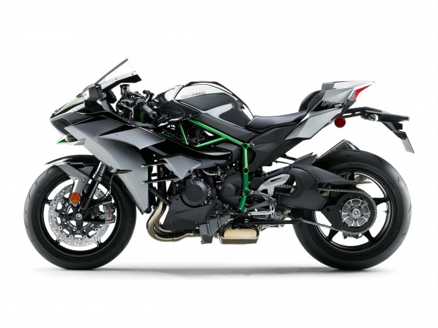2015-Kawasaki-Ninja-H2-35