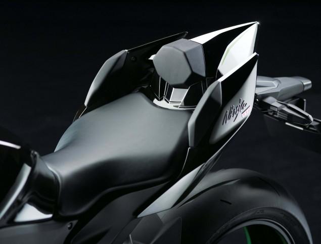 2015-Kawasaki-Ninja-H2-43