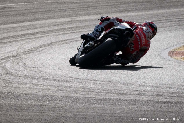 2015-Saturday-MotoGP-Valencia-Scott-Jones-01