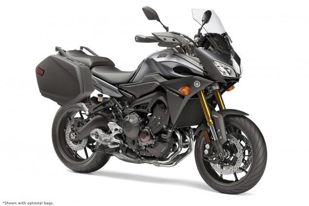 2015-Yamaha-FJ-09-MT-09-Tracer-31