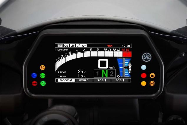 2015-Yamaha-YZF-R1-34