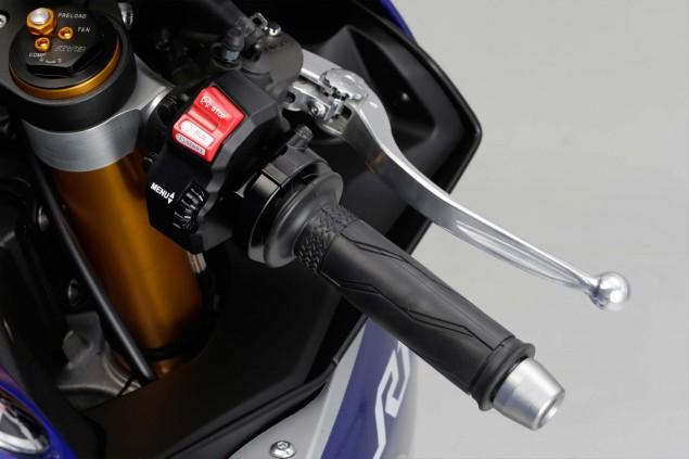 2015-Yamaha-YZF-R1-69