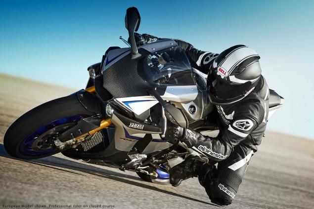 2015-Yamaha-YZF-R1M-16
