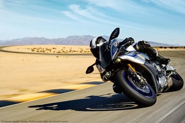 2015-Yamaha-YZF-R1M-21
