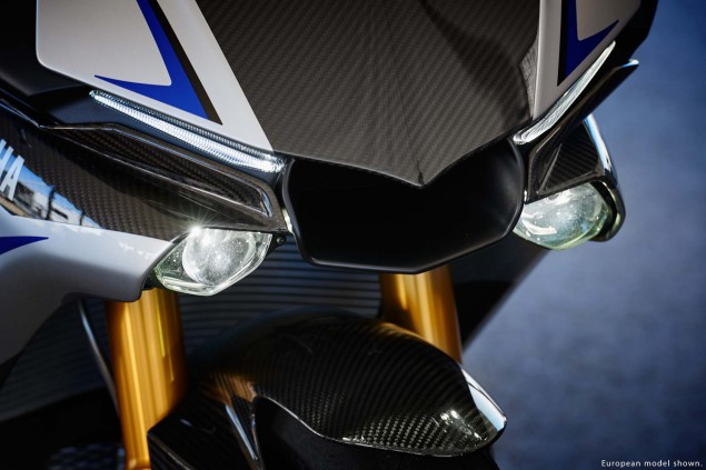 2015-Yamaha-YZF-R1M-25