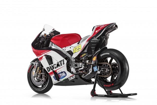 2015-Ducati-Desmosedici-GP15-MotoGP-Andrea-Iannone-10