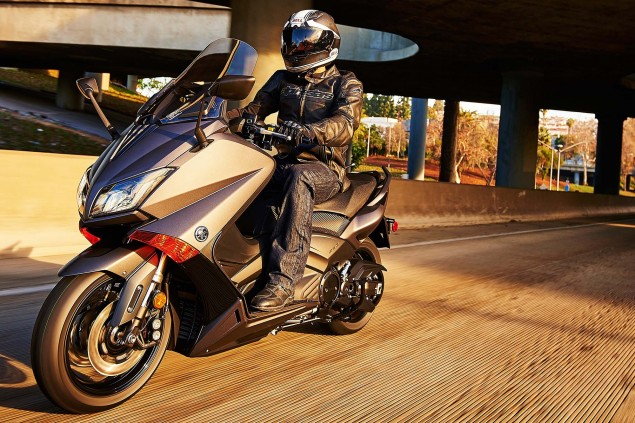 2015-Yamaha-TMAX-05