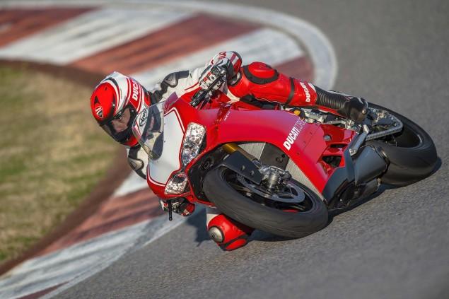 2015-Ducati-Panigale-R-25