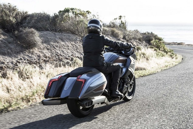 BMW-Motorrad-Concept-101-18