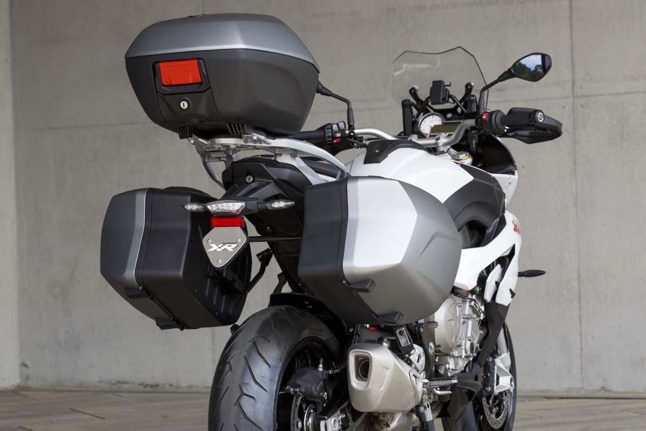 ride review bmw s1000xr asphalt rubber. Black Bedroom Furniture Sets. Home Design Ideas