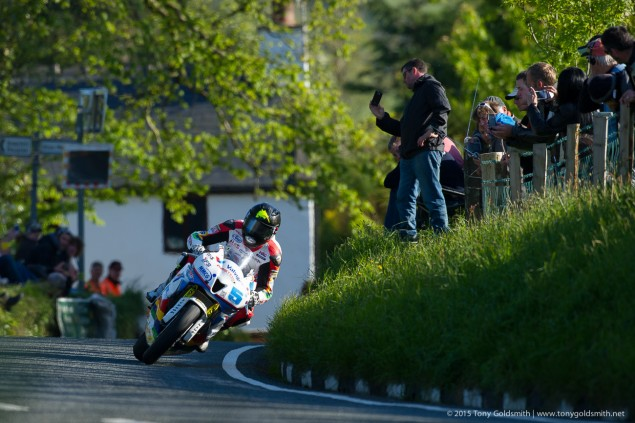 Superstock-Race1-Isle-of-Man-TT-Tony-Goldsmith-943