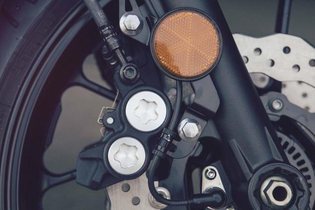 2016-Yamaha-XSR700-Details-08