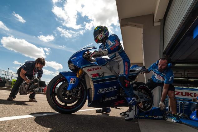 Team-Suzuki-Ecstar-Sachsenring-German-Grand-Prix-MotoGP-2015-Tony-Goldsmith-646