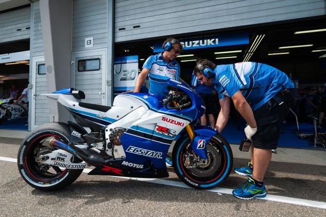 Team-Suzuki-Ecstar-Sachsenring-German-Grand-Prix-MotoGP-2015-Tony-Goldsmith-670